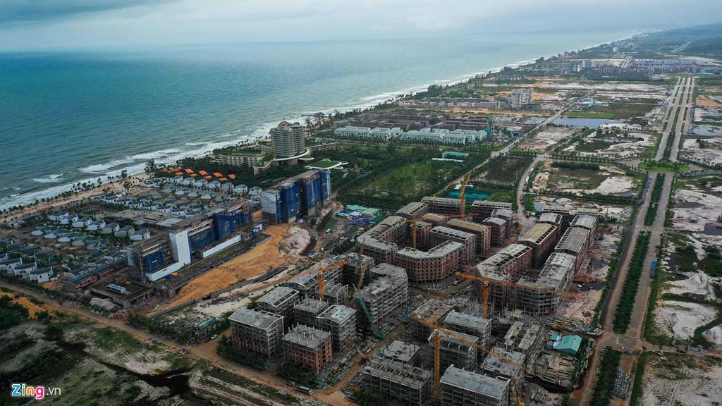 Hàng loạt dự án ven biển Phú Quốc khiến nước từ thượng nguồn chậm tiêu thoát.