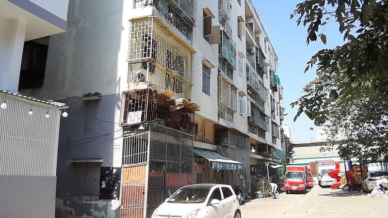 Lô E chung cư 518 Võ Văn Kiệt (quận 1) được Sở Xây dựng kiến nghị phá dỡ khẩn cấp, tránh xảy ra sự cố nguy hiểm