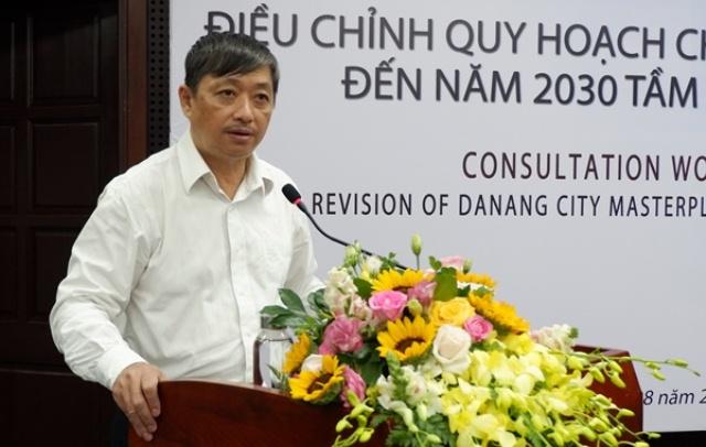 Phó Chủ tịch Thường trực UBND thành phố Đặng Việt Dũng phát biểu khai mạc hội thảo
