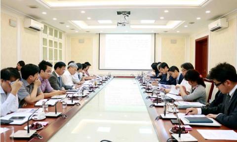 Thứ trưởng Bùi Phạm Khánh làm việc với đoàn chuyên gia JICA