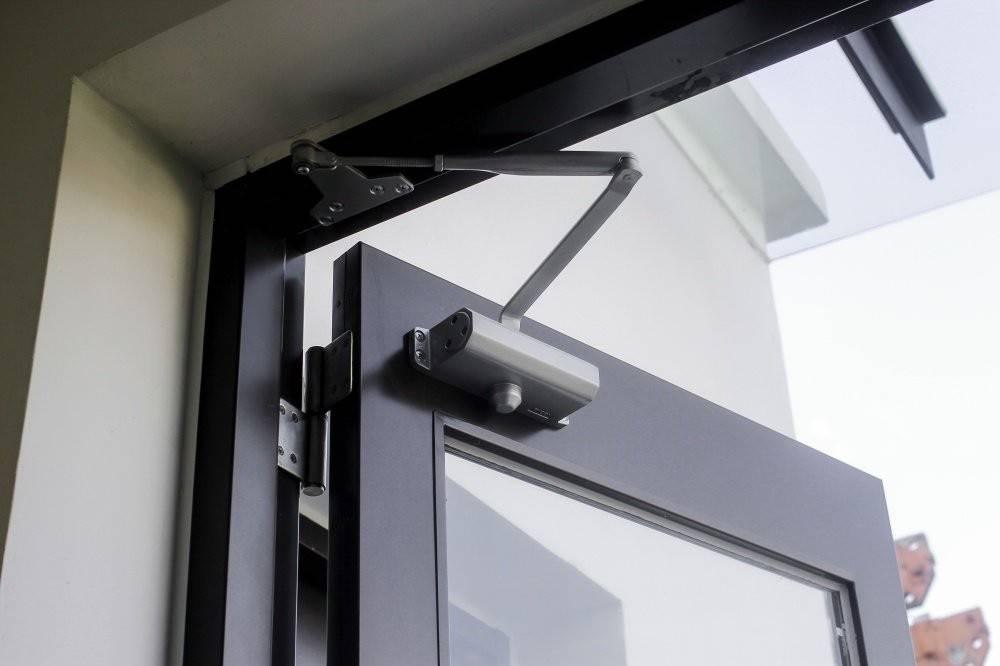 Phụ kiện hãm cửa thủy lực giúp tự động đóng/mở cửa khi có lực tác động vừa đủ
