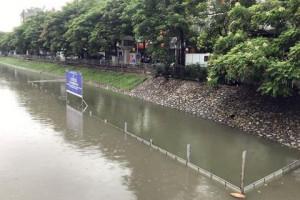 Xây máy bơm 150 tỷ cho sông Tô Lịch: Hoang mang