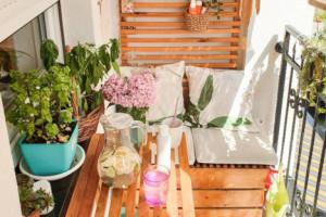 """10 cách biến ban công nhà bạn thành nơi """"nghỉ dưỡng"""" ai nhìn cũng mê mẩn"""