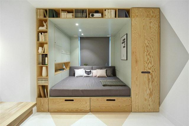 Vách ngăn không gian chỉ đa năng đến thế này là cùng. Vừa lưu trữ được đồ với diện tích khủng còn giúp ngăn cách không gian phòng ngủ với các không gian sinh hoạt khác.