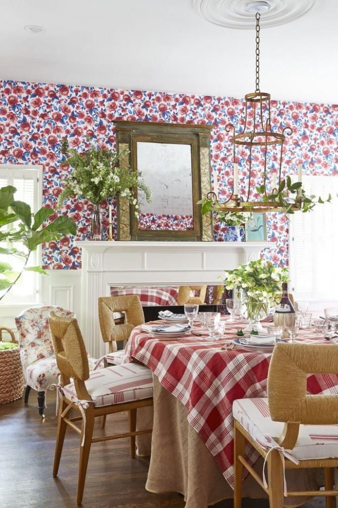 Biến nhà bếp của bạn thành một nơi tươi sáng và hạnh phúc với giấy dán tường họa tiết hoa đầy màu sắc. Nếu nhà bếp của bạn đủ rộng để đặt bàn ăn, giấy dán tường chỉ là những bức tường xung quanh để phân biệt không gian làm việc và sinh hoạt.