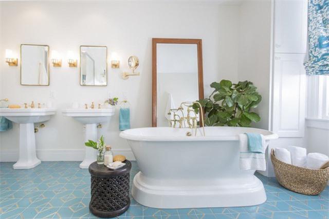 Màu xanh da trời thường được dùng làm gam màu chủ đạo như màu gạch lát sàn, gạch ốp tường