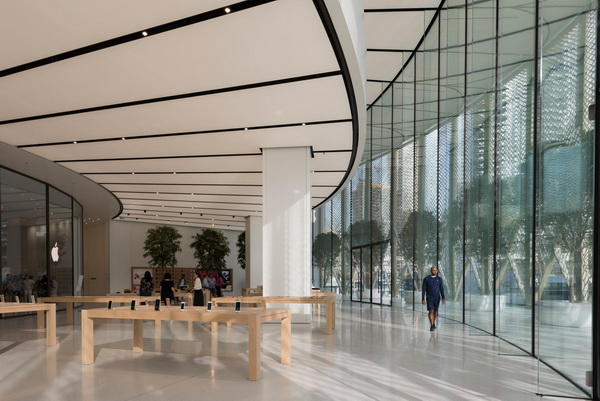apple-store-dubai-mall-foster-partners-carbon-fibre-uae-3-1