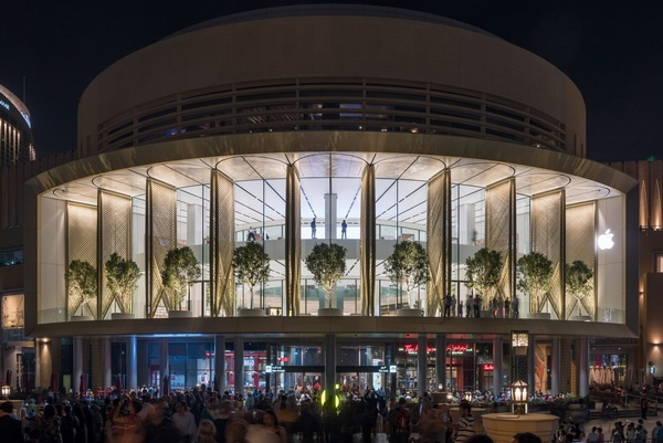 apple-store-dubai-mall-foster-partners-carbon-fibre-uae-6