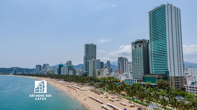 Bờ biển Nha Trang đang bị che chắn bởi hàng loạt dự án cao tầng