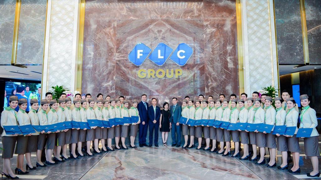 Bức tường đá Đỏ Vân Rồng ấn tượng của FLC STONE tại đại sảnh tòa nhà Bamboo Airways