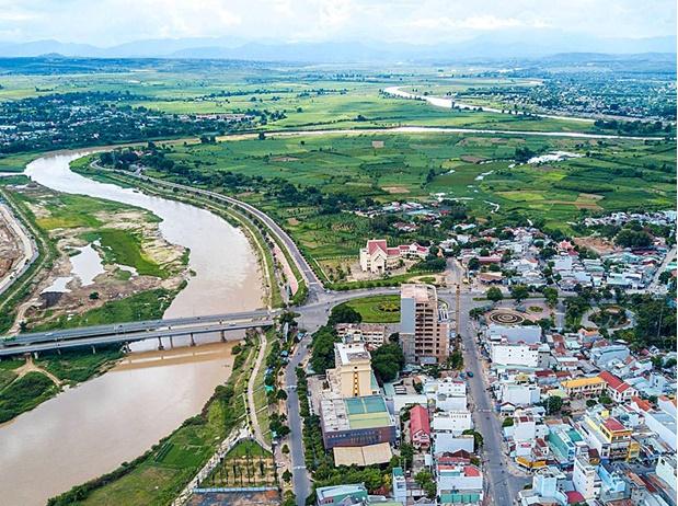 Diện mạo thành phố Kon Tum sẽ ngày càng khởi sắc sau khi được chính quyền địa phương đầu tư phát triển hạ tầng giao thông