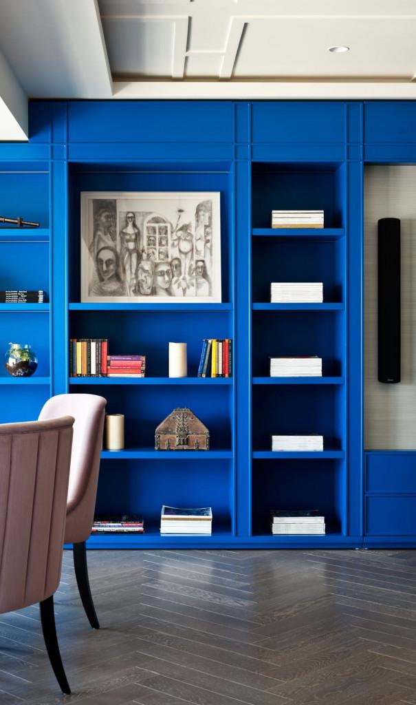 Không chỉ được dùng với mục đích lưu trữ, những mẫu giá sách còn được dùng để tạo điểm nhấn cho không gian sống gia đình