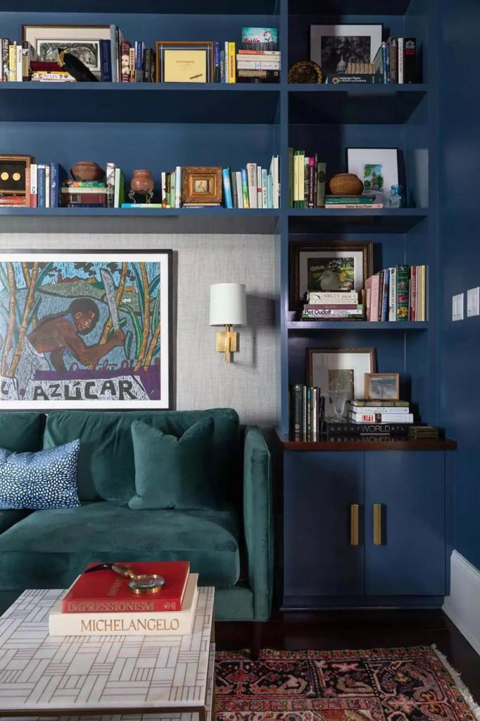 Không chỉ là nơi lưu trữ những cuốn sách, giá sách còn là không gian trưng bày ấn tượng bên trong gia đình