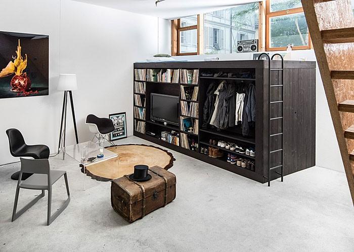 Thiết kế thời trang và sáng tạo của hộp tiết kiệm không gian này được tạo ra bởi nhà thiết kế người Thụy Sĩ Till Könneker nhằm cung cấp các giải pháp lưu trữ nhỏ gọn cho căn hộ nhỏ. Đơn vị lưu trữ này chính là giải pháp gọn gàng lại cực phong cách, có thể tiết kiệm rất nhiều không gian và cung cấp giải pháp thiết kế hiện đại cho nhiều căn hộ studio bị thách thức không gian.