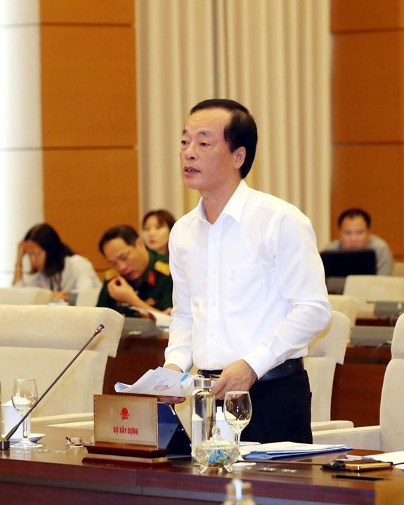 Bộ trưởng Phạm Hồng Hà báo cáo trước UBTVQH. Ảnh: TTXVN