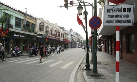 Hà Nội dự kiến cấm phương tiện giao thông trong không gian đi bộ quanh hồ Gươm một tháng