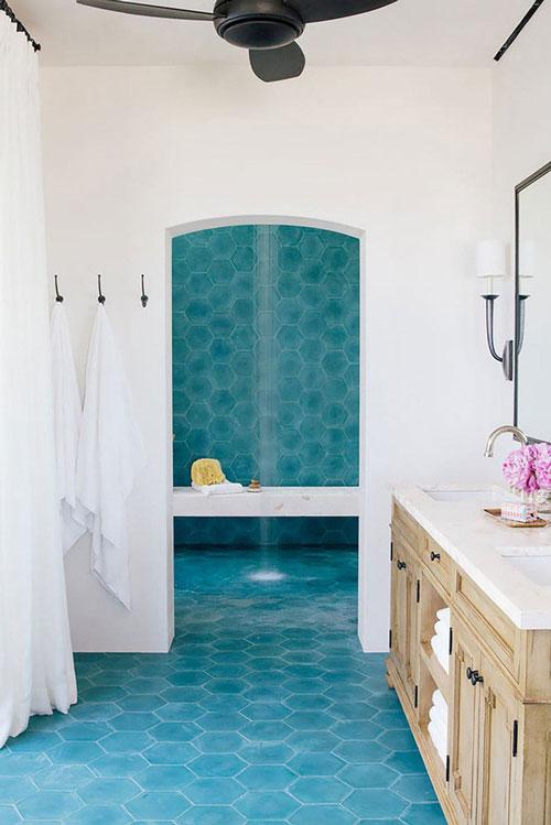 Những căn phòng tắm với gam màu xanh lam dịu mát rất đáng để các gia đình thử lựa chọn một lần
