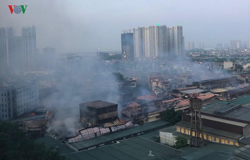 Môi trường xung quanh Công ty CP bóng đèn phích nước Rạng Đông ô nhiễm sau vụ cháy