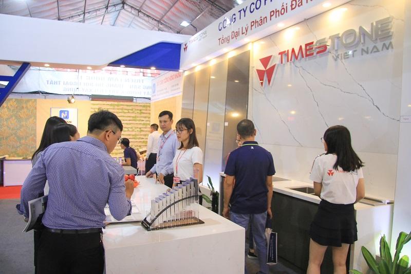 Gian hàng của Timestone Việt Nam thu hút sự quan tâm của nhiều khách hàng