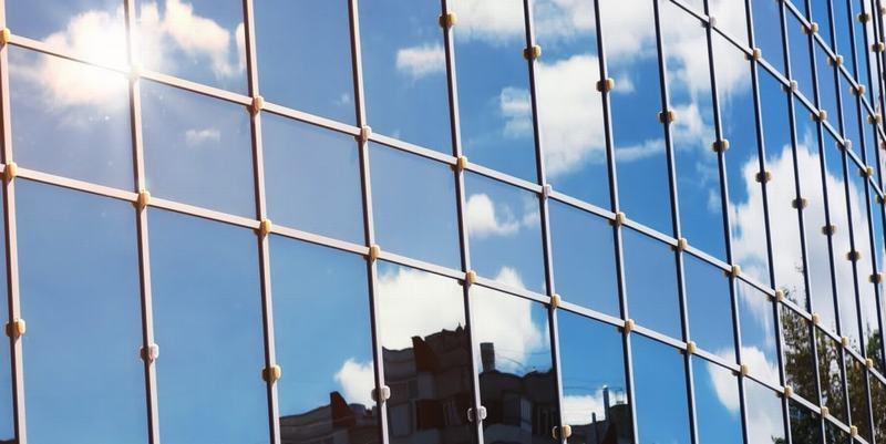 Kính phản quang đem lại nhiều lợi ích trong xây dựng