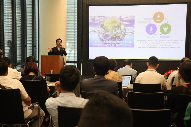 Ngài BT Tee - Tổng Giám đốc Công ty UBM Asia phát biểu tại buổi họp báo