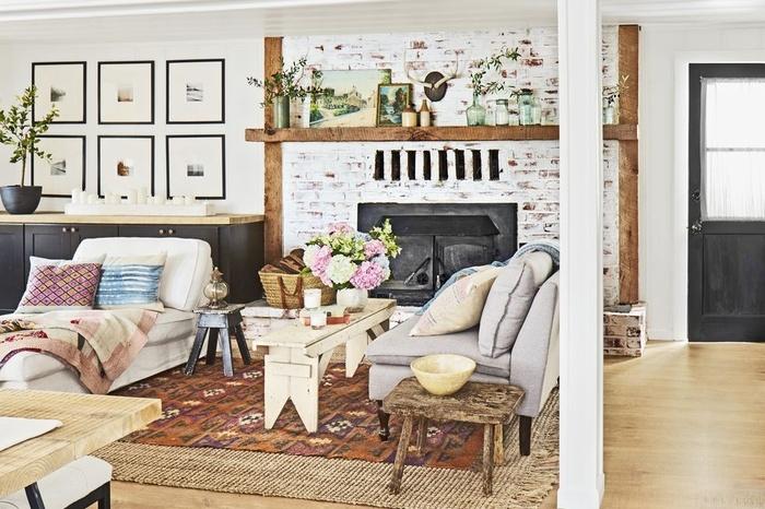Nếu bạn yêu thích kết cấu mộc mạc của gạch, nhưng không phải là màu tối, bạn hãy chọn gạch trắng. Một căn phòng với một bức tường gạch trắng luôn tạo cảm giác thoáng đãng và sáng sủa.