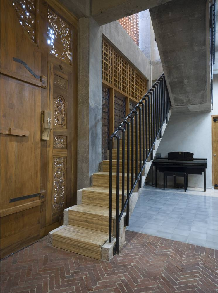 Vật liệu gỗ xuất hiện ở rất nhiều nơi trong căn nhà