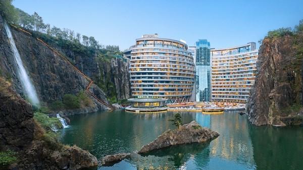 China subterranean hotel-1