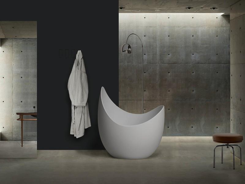 Bồn tắm nhỏ nhưng lại là một tác phẩm nghệ thuật tuyệt vời.