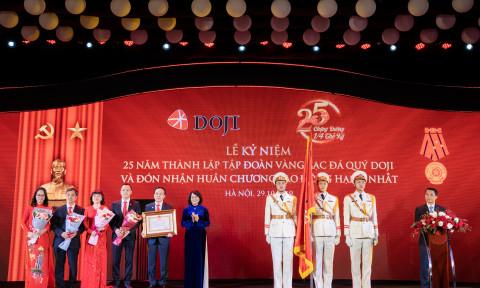 Tập Đoàn DOJI vinh dự đón nhận Huân chương Lao động hạng Nhất