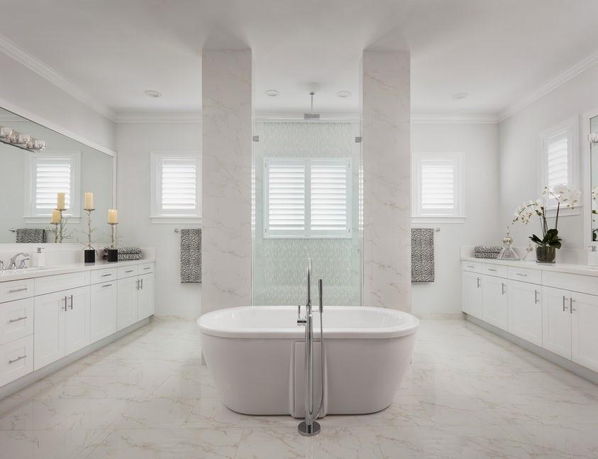 Không cần một căn phòng sang trọng, đẳng cấp, điều mà mọi gia đình mong muốn ở căn phòng tắm đó là cảm giác tươi mát, thư thái