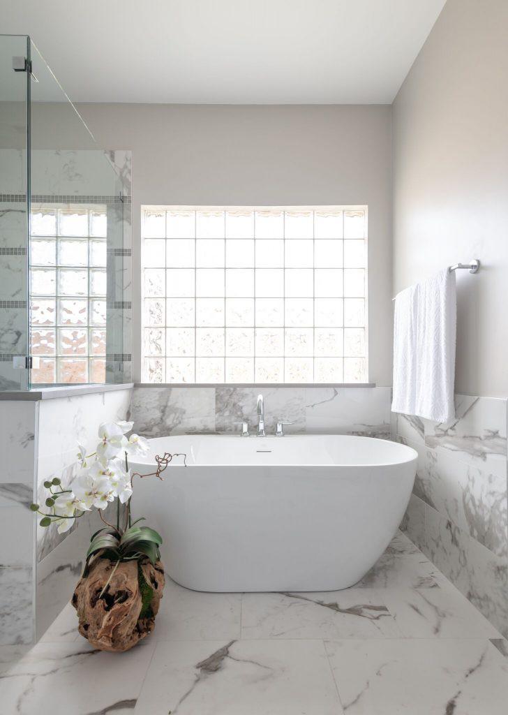 Để mang đến cảm giác mát mẻ, thoải mái cho người dùng ngay khi bước vào phòng tắm bạn cần lưu ý một vài điều sau đây