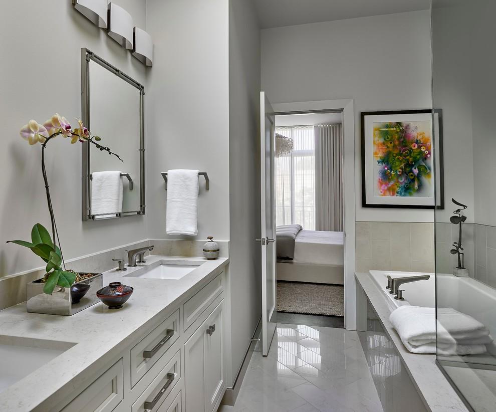 Đá cẩm thạch thường được các gia đình dùng lát sàn hoặc ốp tường phòng tắm