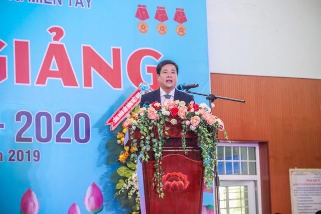 TS Nguyễn Văn Xuân - Hiệu trưởng MTU phát biểu tại Lễ khai giảng