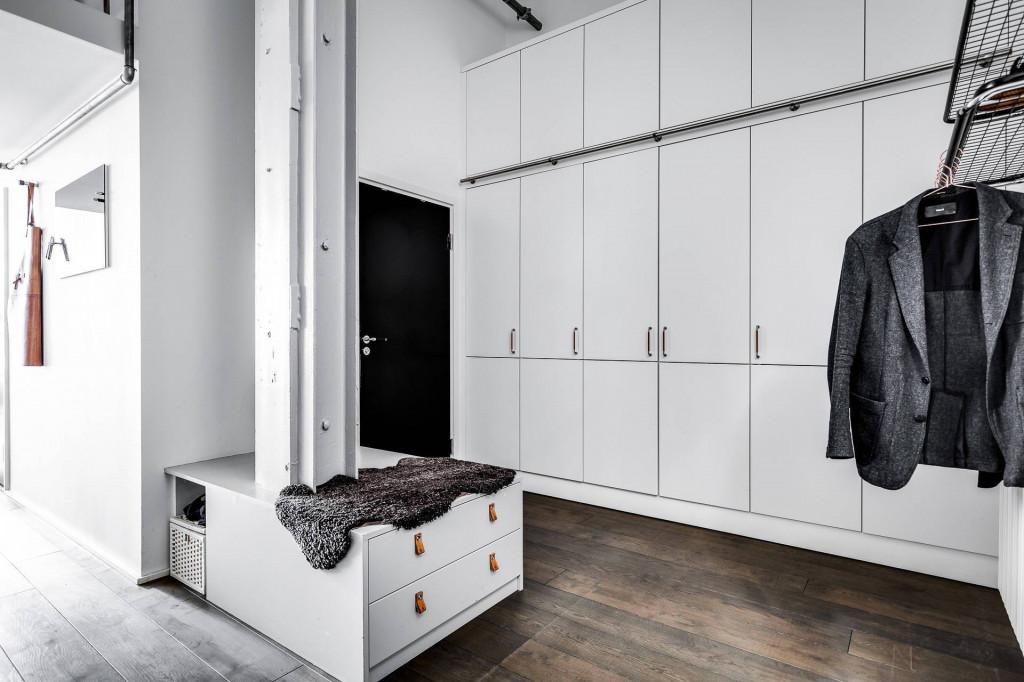 Hệ tủ âm tường giúp các đồ đạc được sắp xếp, cất trữ gọn gàng