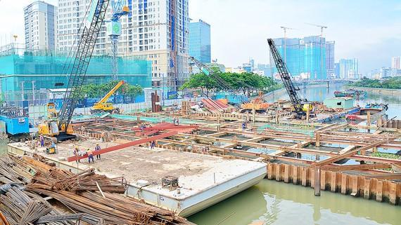 Cống ngăn triều Bến Nghé thuộc dự án giải quyết ngập do triều cường cho TPHCM