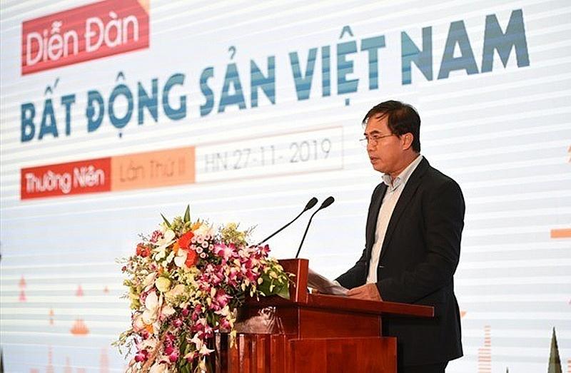 Thứ trưởng Bộ Xây dựng Lê Quang Hùng phát biểu khai mạc tại diễn đàn
