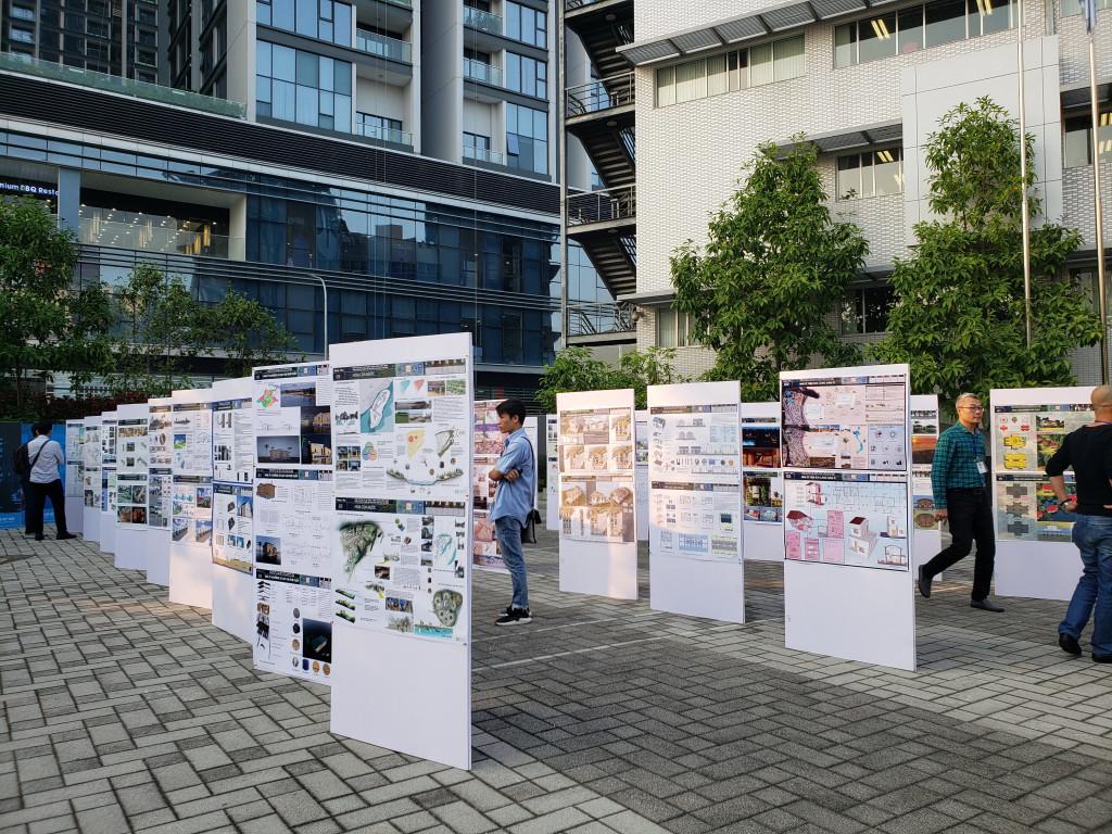 Các phương án dự thi được triển lãm tại Tòa nhà Green UN-One (số 304 Kim Mã, quận Ba Đình, Hà Nội)
