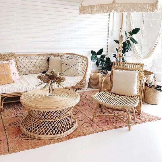 Thiết kế của bất kỳ nội thất nào từ chất liệu mây hay chỉ riêng với ghế sofa đều vô cùng tinh tế, uyển chuyển từng đường nét, toát lên vẻ đẹp rất riêng