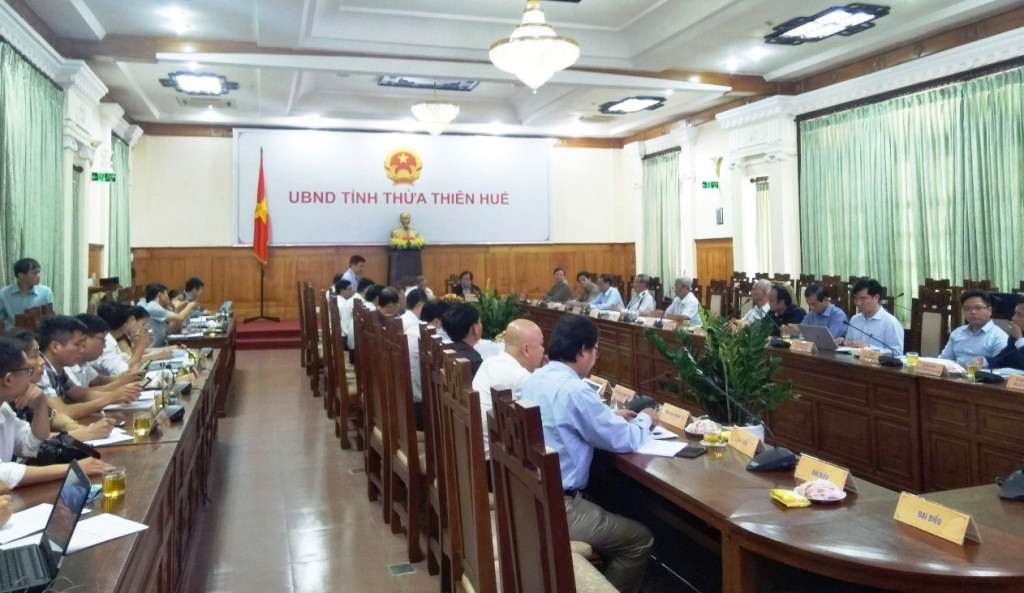 Toàn cảnh buổi Hội nghị lấy ý kiến về xây dựng đô thị Thừa Thiên Huế thành đô thị có tính chất đặc thù về di sản hướng tới trở thành phố trực thuộc Trung Uơng