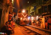 Bộ GTVT đề nghị sớm di dời phố cà phê đường tàu
