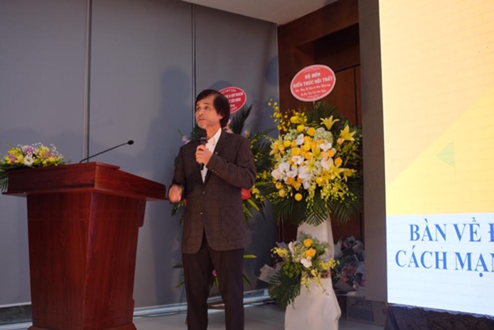GS. TS. KTS Doãn Minh Khôi trình bày tham luận tại Hội thảo Khoa học trong chương trình kỷ niệm
