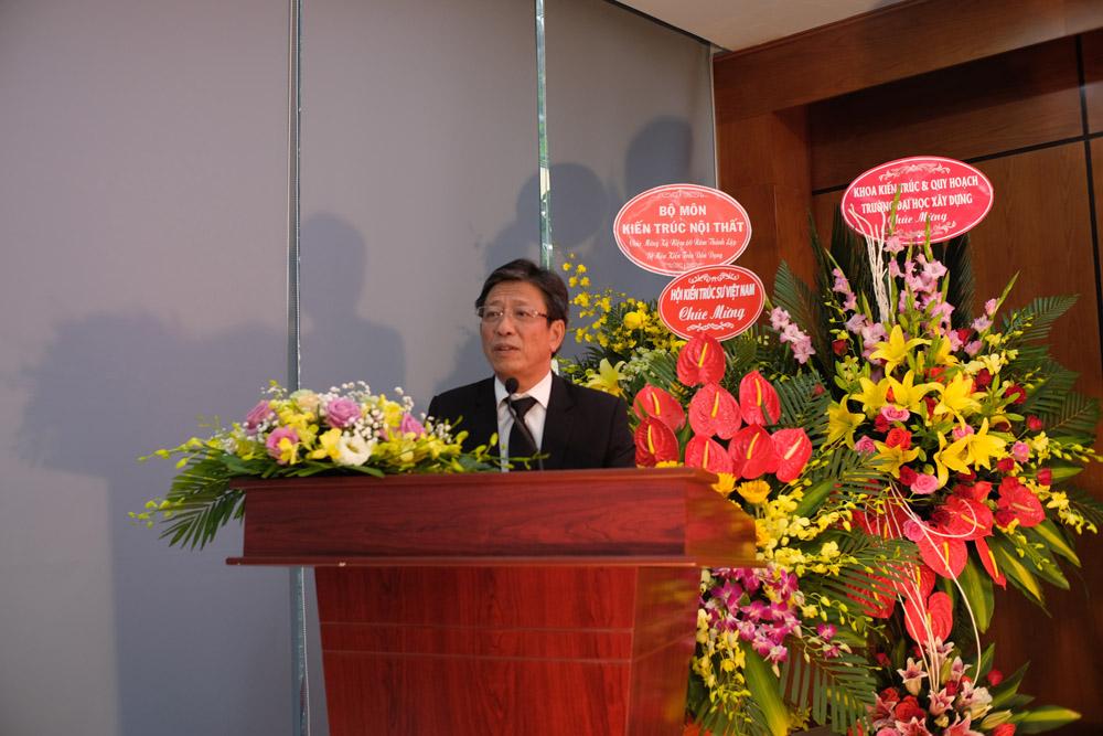 PGS. TS Phạm Duy Hòa – Hiệu trưởng – phát biểu tại lễ kỷ niệm