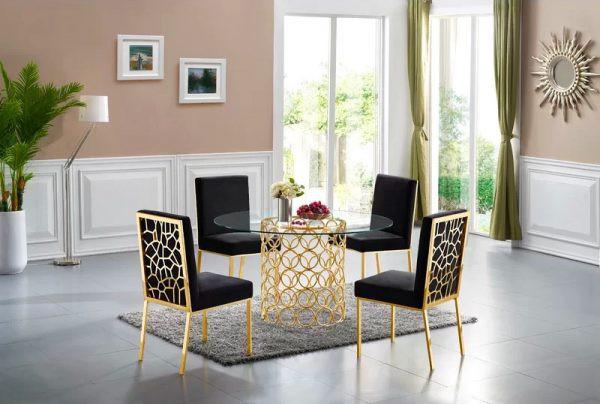 Bộ bàn ghế ăn mang phong cách hoàng gia