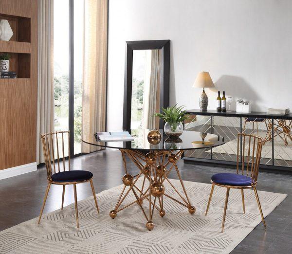 Chiếc bàn ăn là một tác phẩm nghệ thuật điêu khắc để bạn có thể sử dụng và thưởng thức mỗi ngày