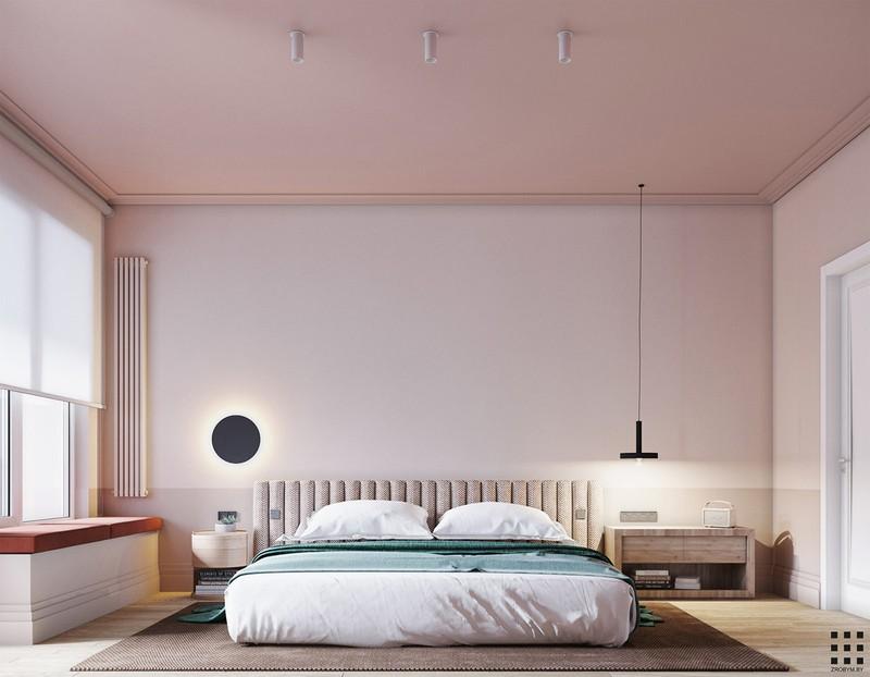 Trái với phòng khách, phòng ngủ chính trang trí bằng tông màu hồng pastel lãng mạn.