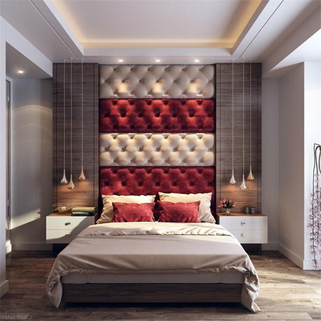 Sử dụng đầu giường và gối màu đỏ xua tan cảm giác nhàm chán cho căn phòng.