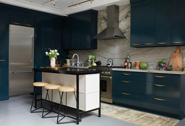 Khu vực ăn sáng nhỏ bên trong nhà bếp hiện đại đầy phong cách