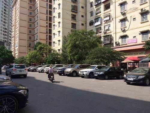 Tình trạng quá tải, thiếu bãi đỗ xe tại nhiều đô thị lớn như Hà Nội, TP.HCM…