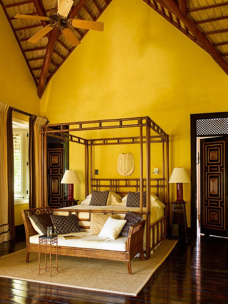 Đến những căn phòng ngủ có thiết kế trần cao mang đến người dùng không gian nghỉ ngơi thư thái, bình yên